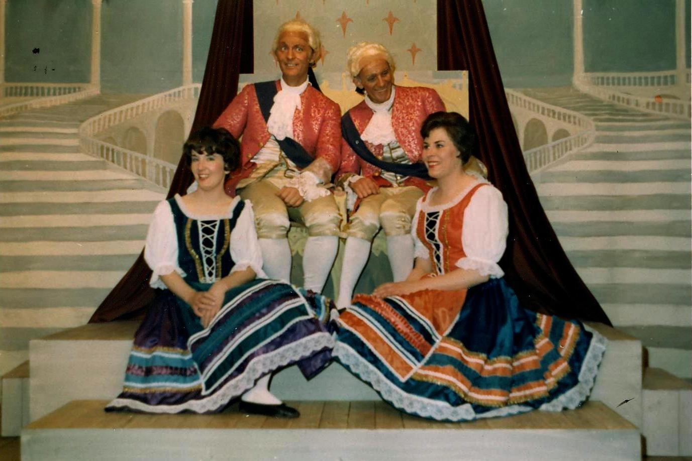 Gondoliers 9A